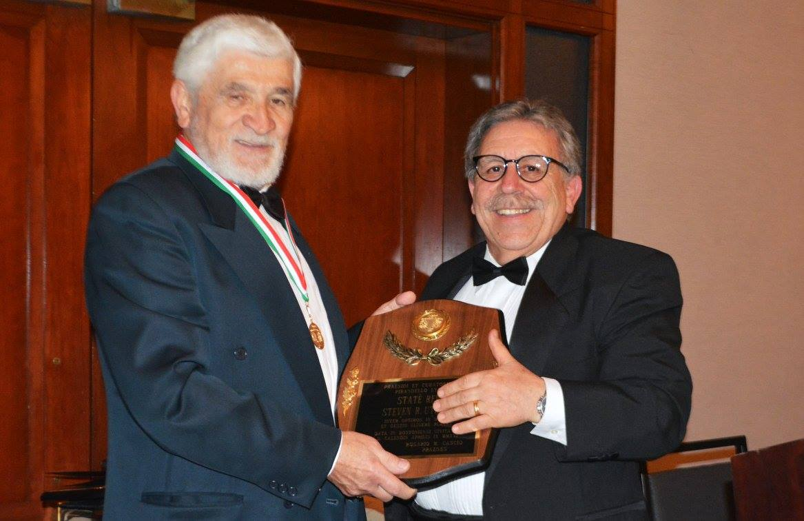Antonio Cillo, recipient of the Italian Culture Award, and Pirandello Lyceum President Rosario Cascio